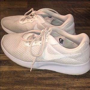 White womens nike sneakers